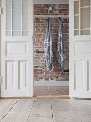 Golvolja golv med dörr